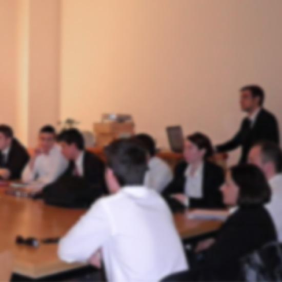 ESGHT organiza eventos sala de reunión