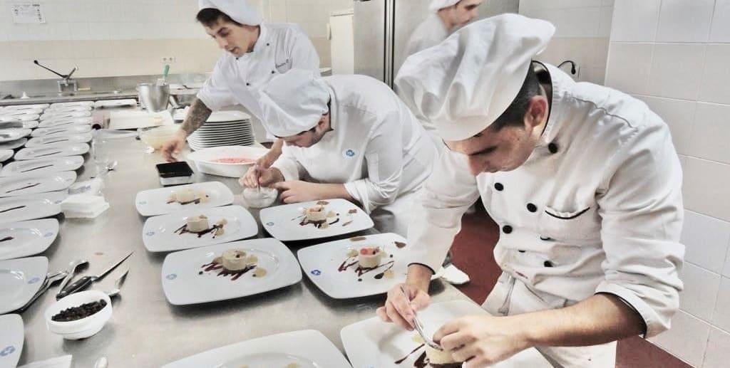 Doble Titulación en Cocina y Restauración